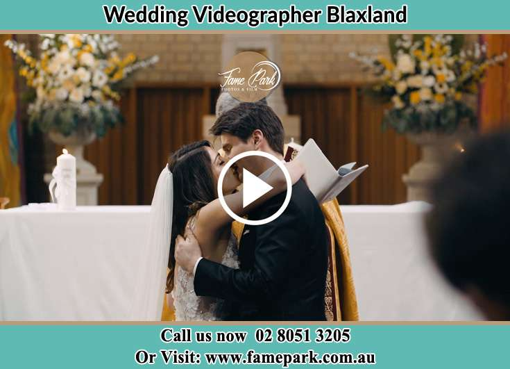 Bride and Groom kissed at the altar Blaxland NSW 2774